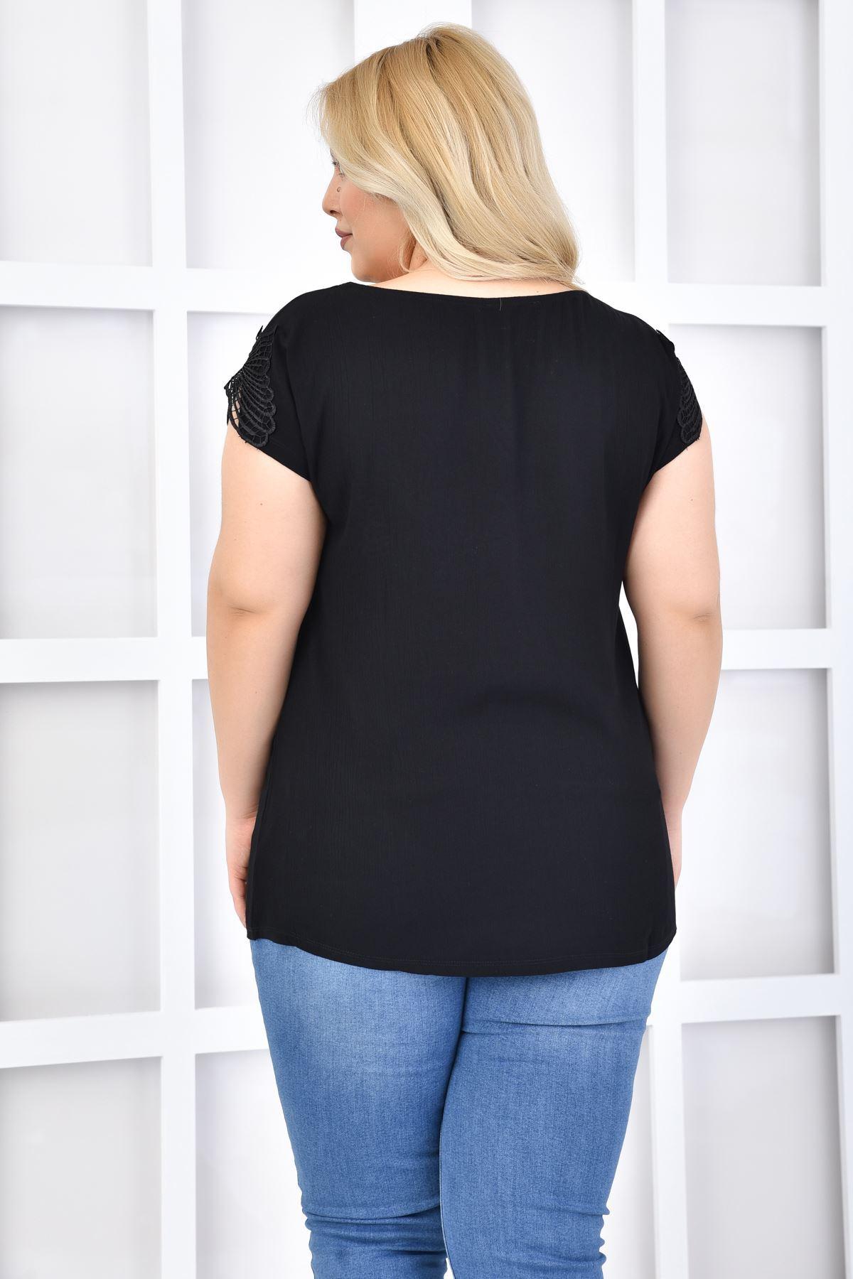 Kadın Siyah Büyük Beden Tshirt Kelebek