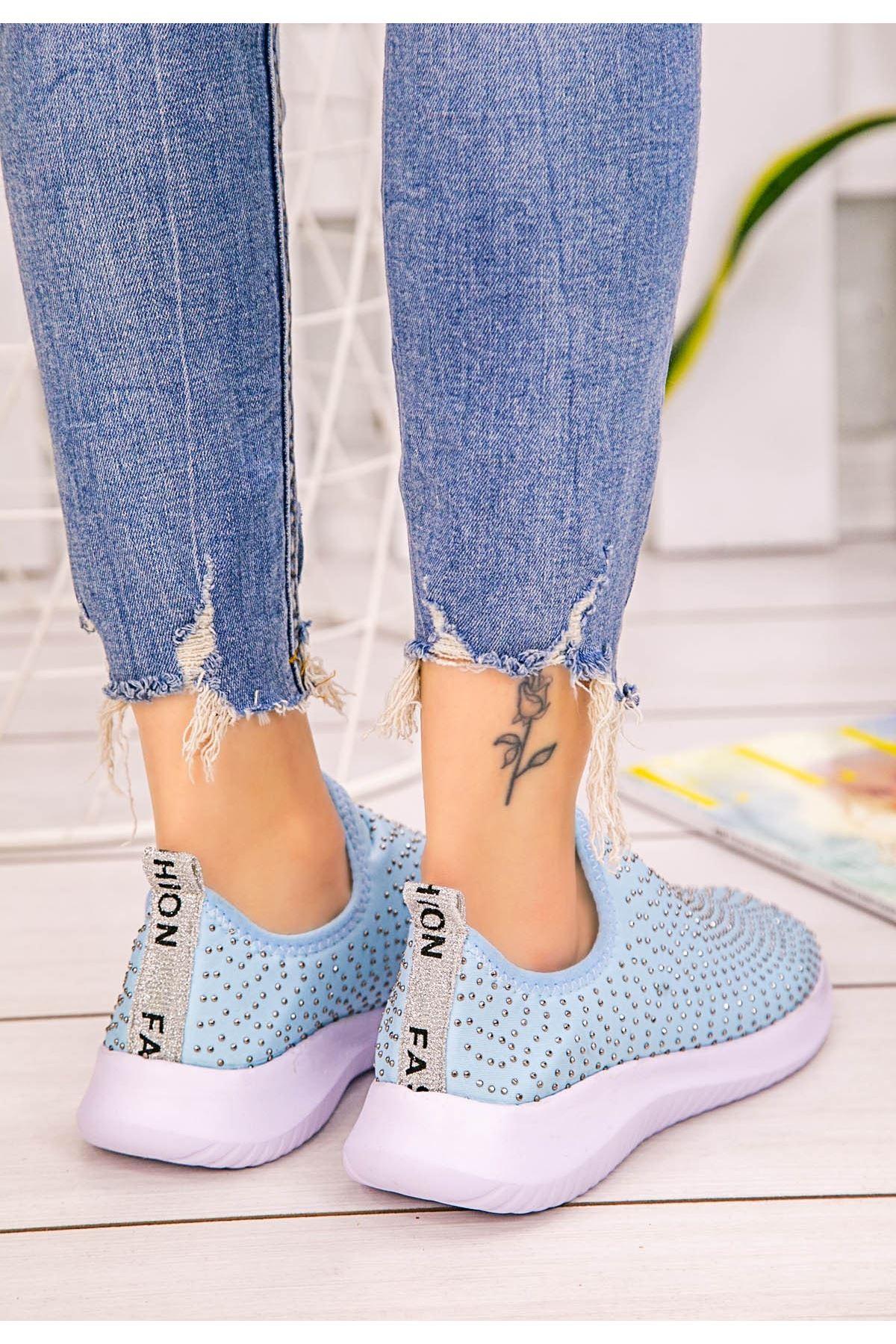 Stin Bebe Mavisi Boncuk İşlemeli Spor Ayakkabı